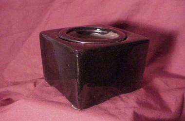 Lotus Small Self Watering Pot
